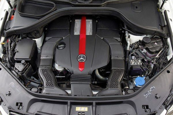 Engine-of-Mercedes-benz-GLE-4matic