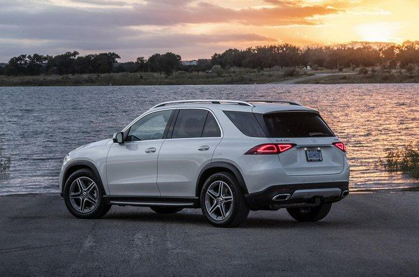 rear-of-the-Mercedes-Benz-GLE-4matic