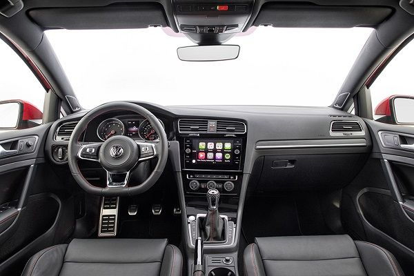 Interior-of-2019-Volkswagen-Golf-hatchback