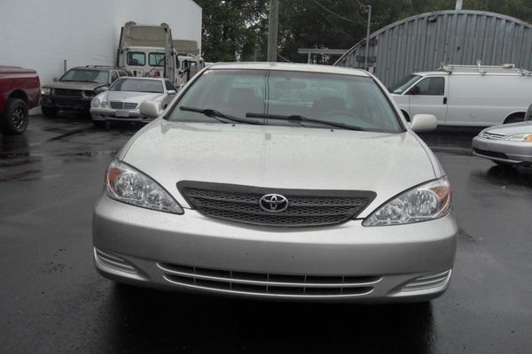 toyota-camry-2002-front