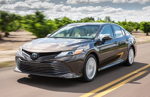 2018-Toyota-Camry-Hybrid-car