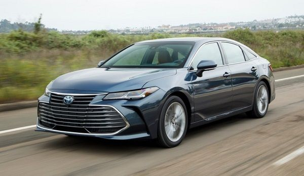 2019-Toyota-Avalon-Hybrid-car