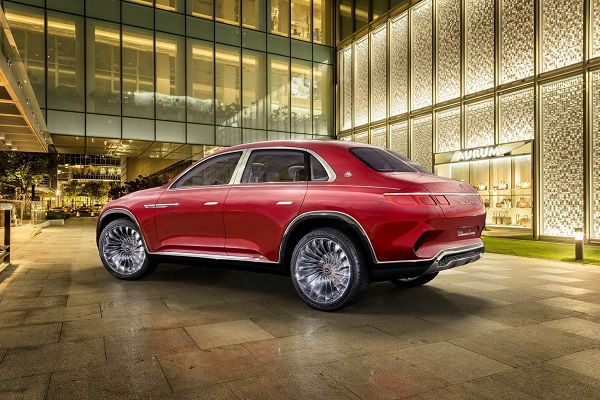 image-of-mercedes-maybach-ultimate-luxury-rear-view