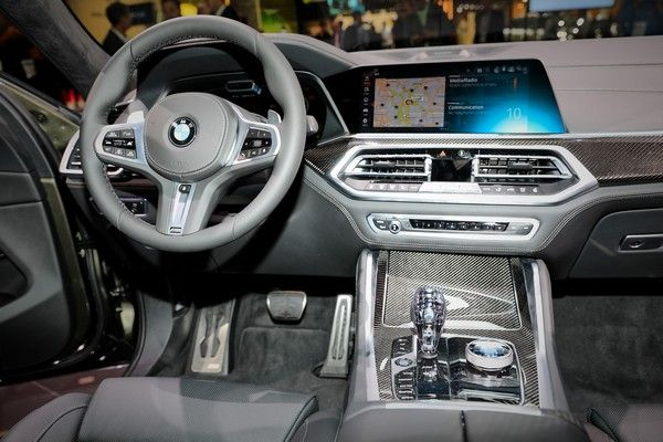 bmw-x6-dashboard