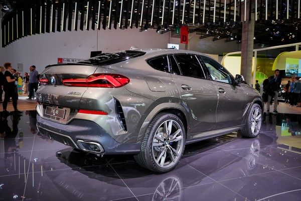 bmw-x6-back-view