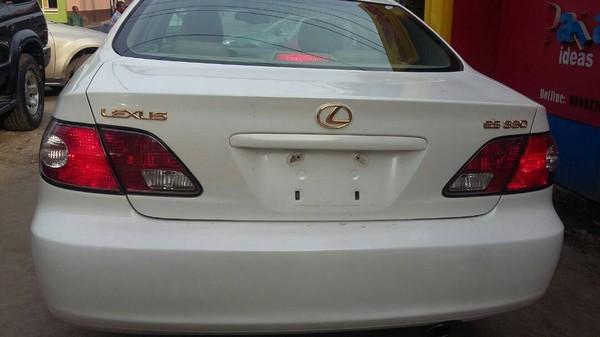 Lexus-ES330-reariew