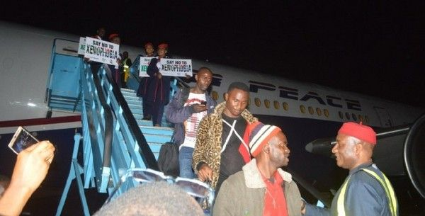 nigerians-returning-from-south-africa