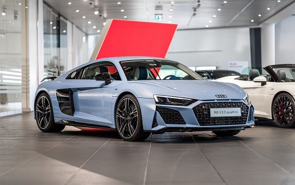 image-of-audi-r8-frosted-glass-blue-front-view