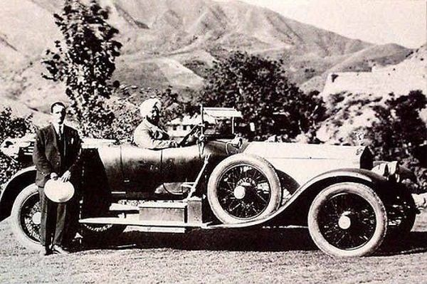 image-of-indian-rinces-on-rolls-roycce-before-first-world-war