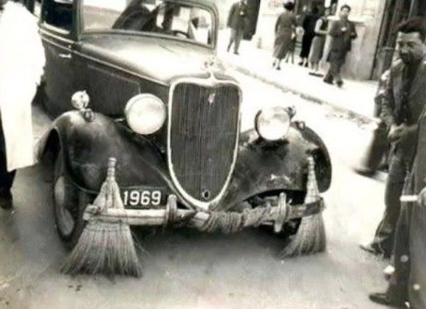 image-of-rolls-royce-cleaning-the-city-in-india-by-jai-singh