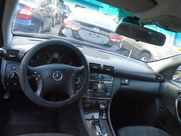 The-interior-of-the-Mercedes-Benz-C180