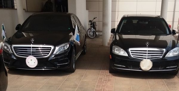 Mercedes-Benz-S550-of-Bukola-Saraki