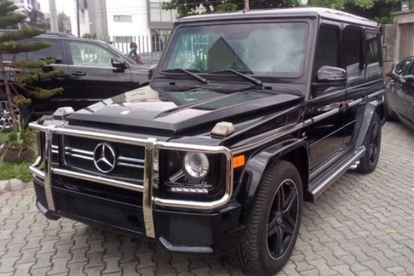 Mercedes-G-Class-vehicle-parked outside