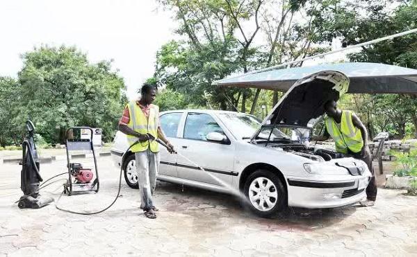 car-wash-stand