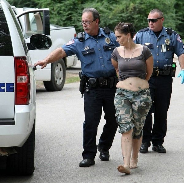 police-arrest-woman