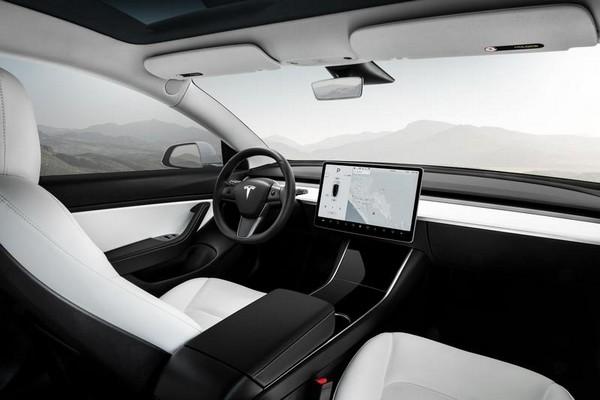 Tesla-Model-Y-interior