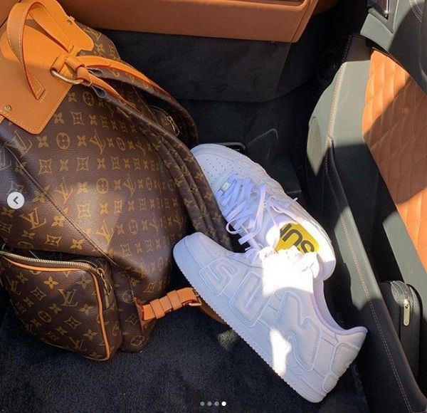 travis-scott-shoes-and-bags
