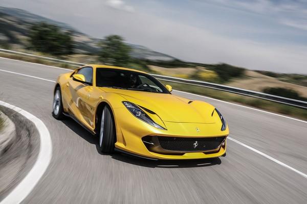 yellow-ferrari-812-superfast-f
