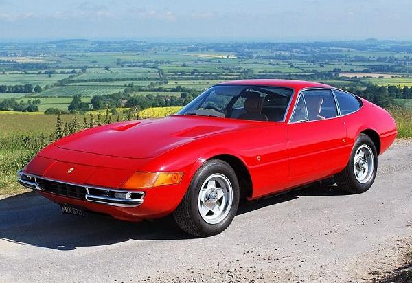 1968-Ferrari-365-GTB4-Sportscar