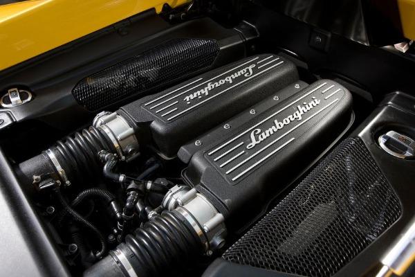 The-powerful-engine-of-the-Lamborghini-Gallardo