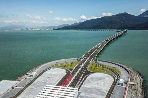 the-longest-sea-bridge