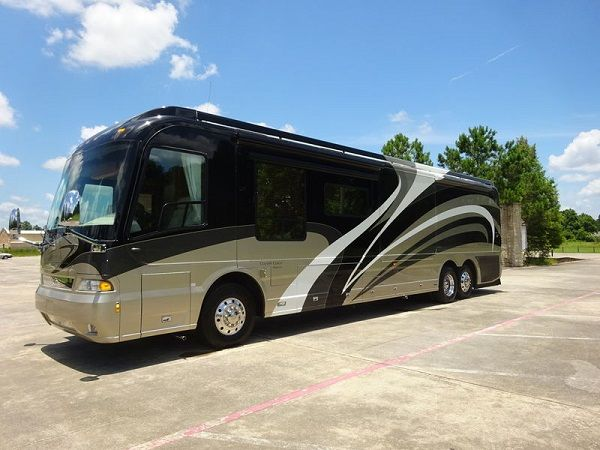 image-of-country-magna-luxury-bus
