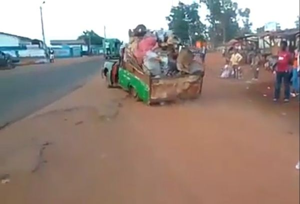 overloaded-rickety-car