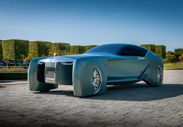 2035-rolls-royce-electric-car