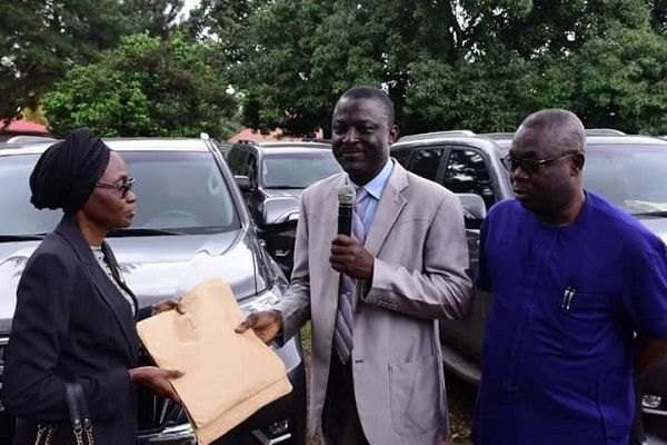 Ondo-chief-judge-receiving-vehicles