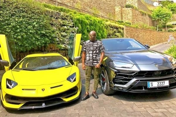 Mompha-with-Lamborghini-Aventador-and-Lamborghini-Urus