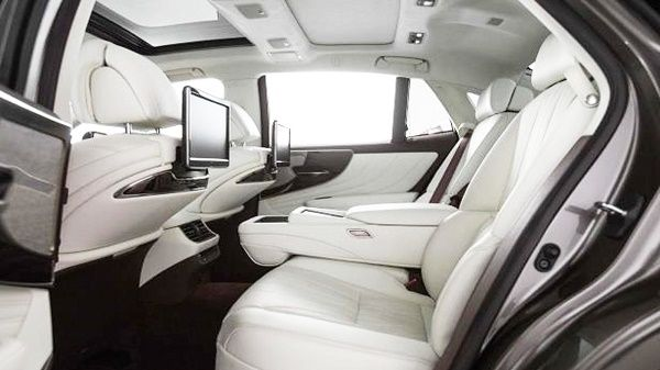 rear-seat-Lexus-LS-500