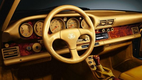image-of-sheikh-porsche-959-golden-interior-dash