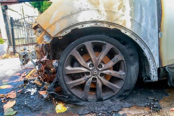 wheel-of-damaged-car