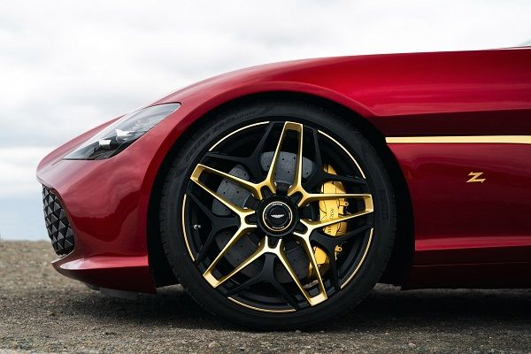 image-of-aston-martin-dbz-centenary-collection-3d-gold-wheel