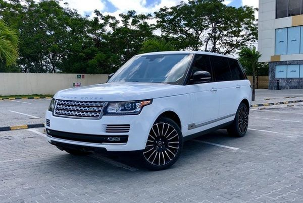 angular-front-of-the-Range-Rover-Autobiography-in-Nigeria