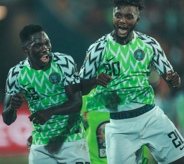 omeruo-and-awaziem-on-the-pitch