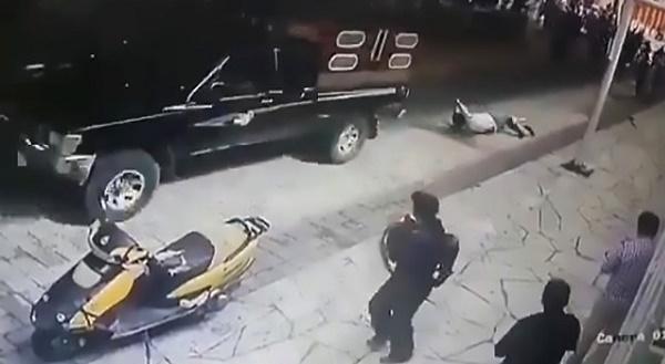mexican-mayor-dragged-along-a-street