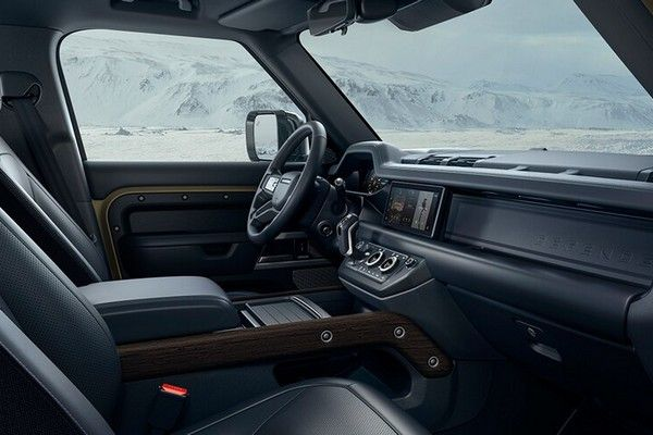 2020-land-rover-defender-interior