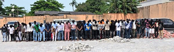 94-arrested-yahoo-boys-at-oshogbo-nightclubs