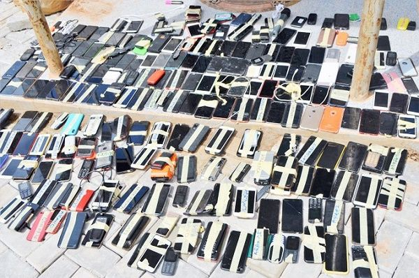 smartphones-recovered-from-the-94-yahoo-boys