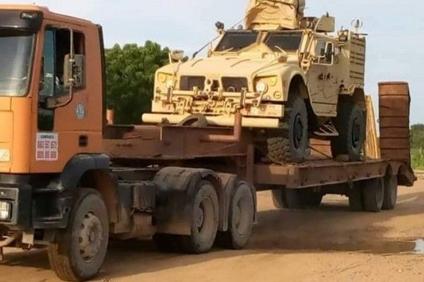us-military-vehicle-intercepted-by-nigeria-customs-enroute-niger-republic