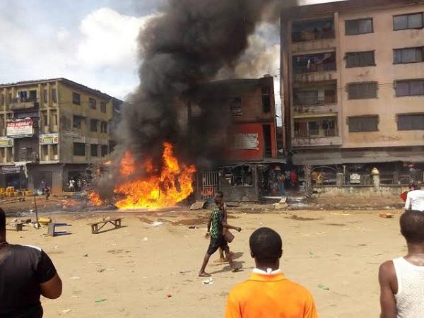 image-of-buildings-burnt-in-tanker-explosion-in-onitsha