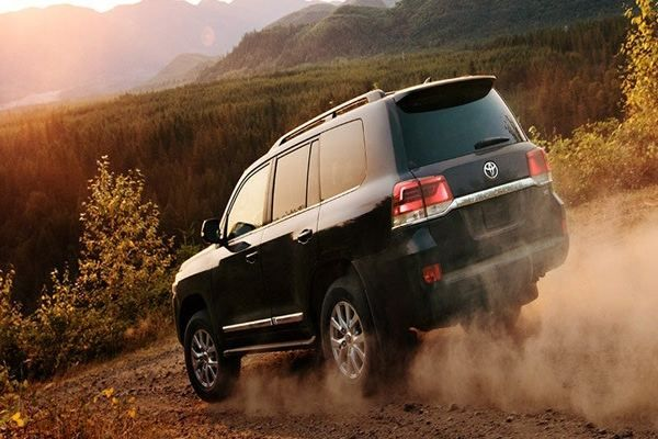 2019-Toyota-Land-Cruiser