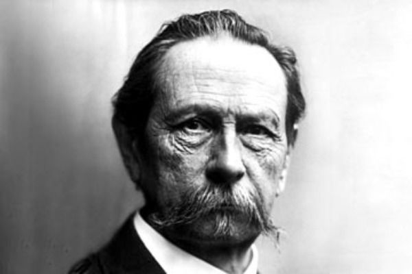 Karl-Benz-the-inventor-of the-first-petrol-powered-car