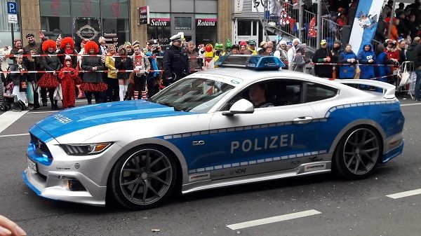 image-of-2017-ford-mustang-gt-police-car