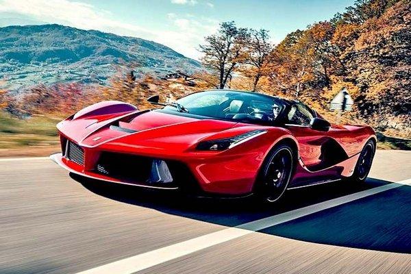 Front-view-Ferrari-LaFerrari