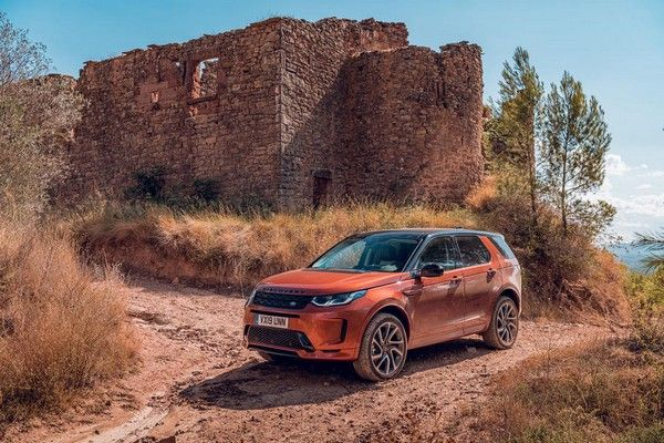 land-rover-discovery-sport-off-road