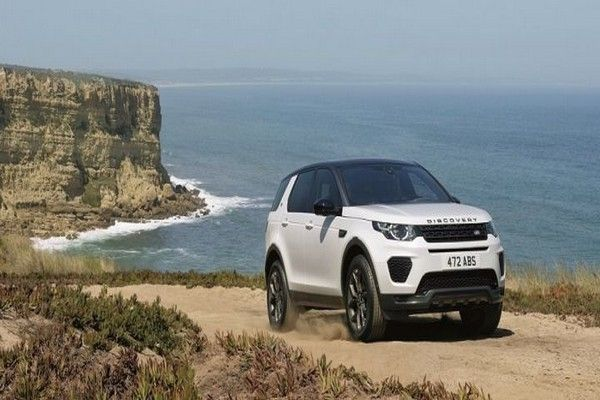 white-land-rover-discovery-sport-2019