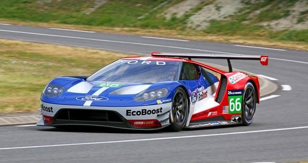 ford-race-car-with-spoiler