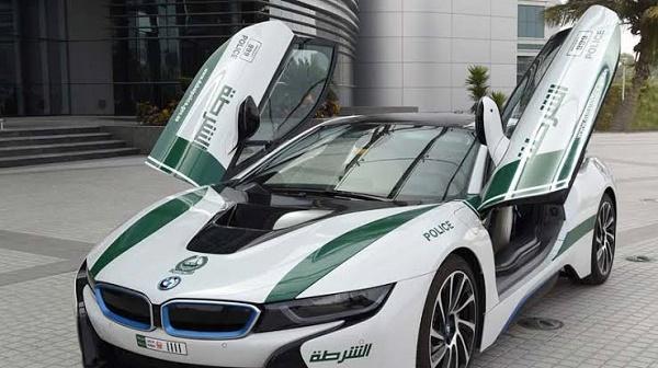 Maserati-GranTurismo-dubai-police-car